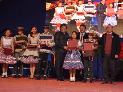 La comuna de Canela dio inicio a las Fiestas Patrias con implacable Regional de Cueca Escolar